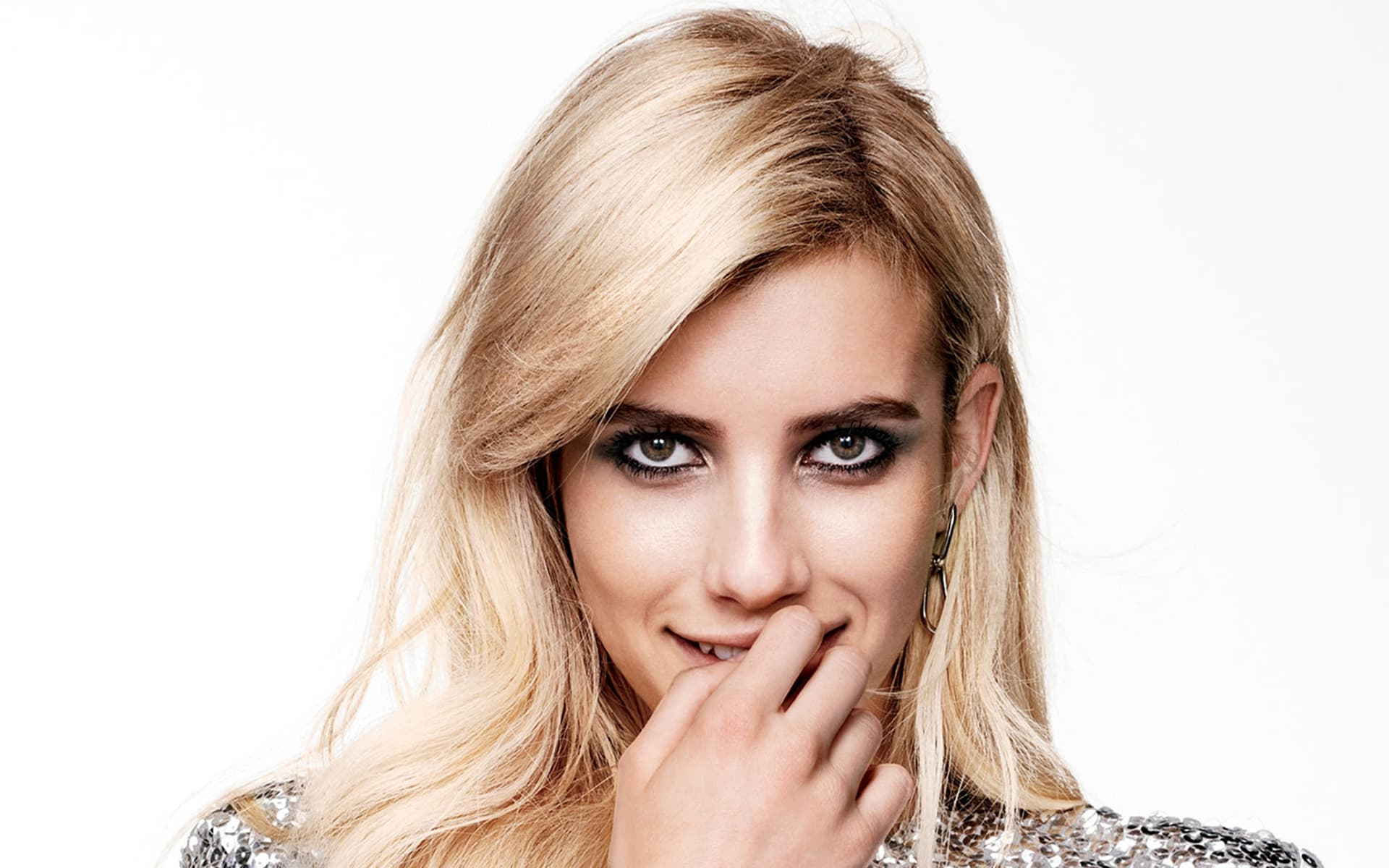 eyes of Emma Roberts HD wallpaper for PC