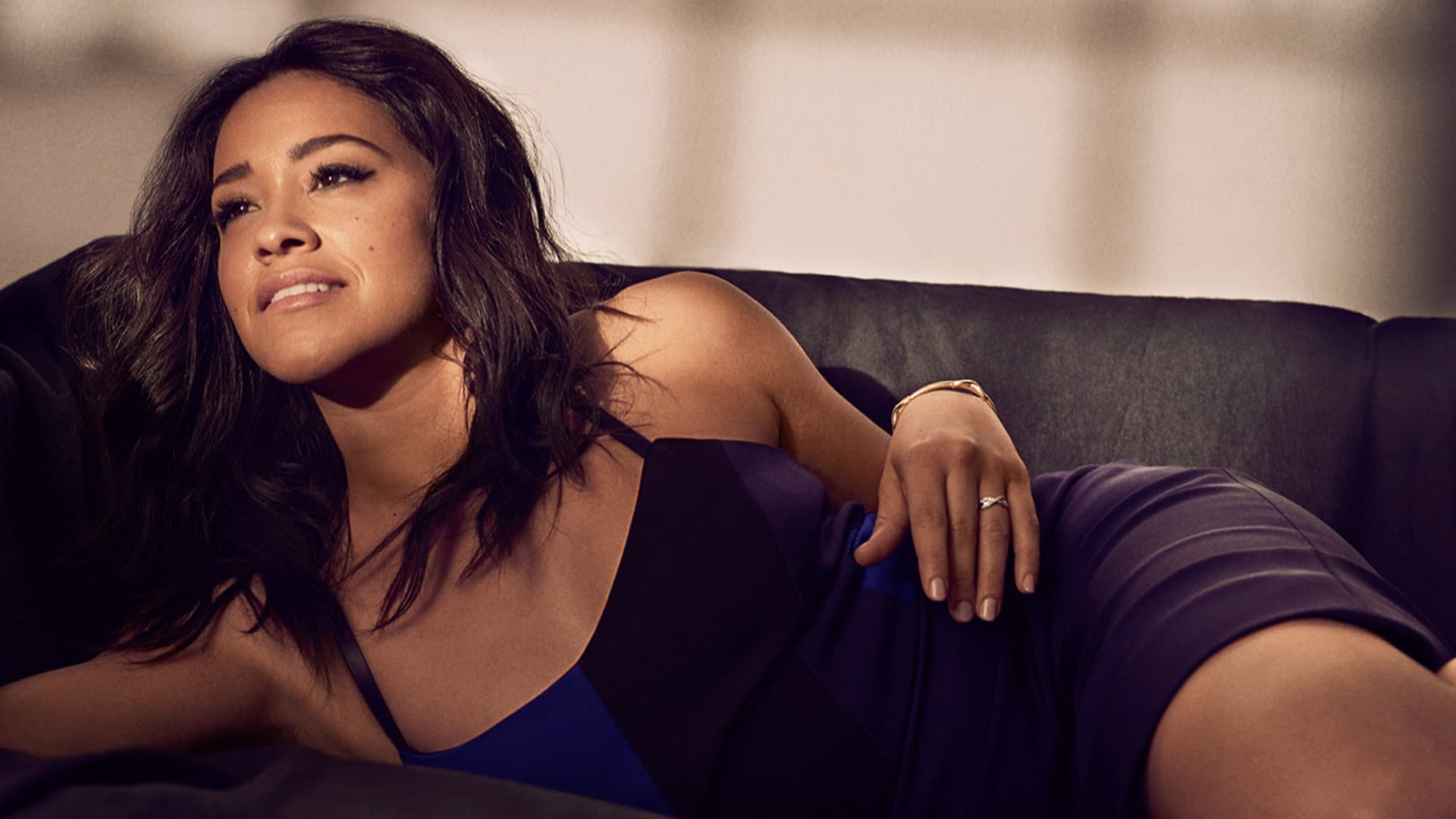 Gina Rodriguez wallpap...