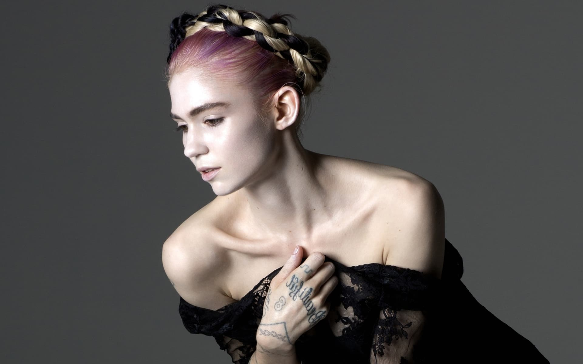 Grimes wallpapers HD High Quality Download: http://wallpapersqq.net/grimes-as-claire-boucher.html