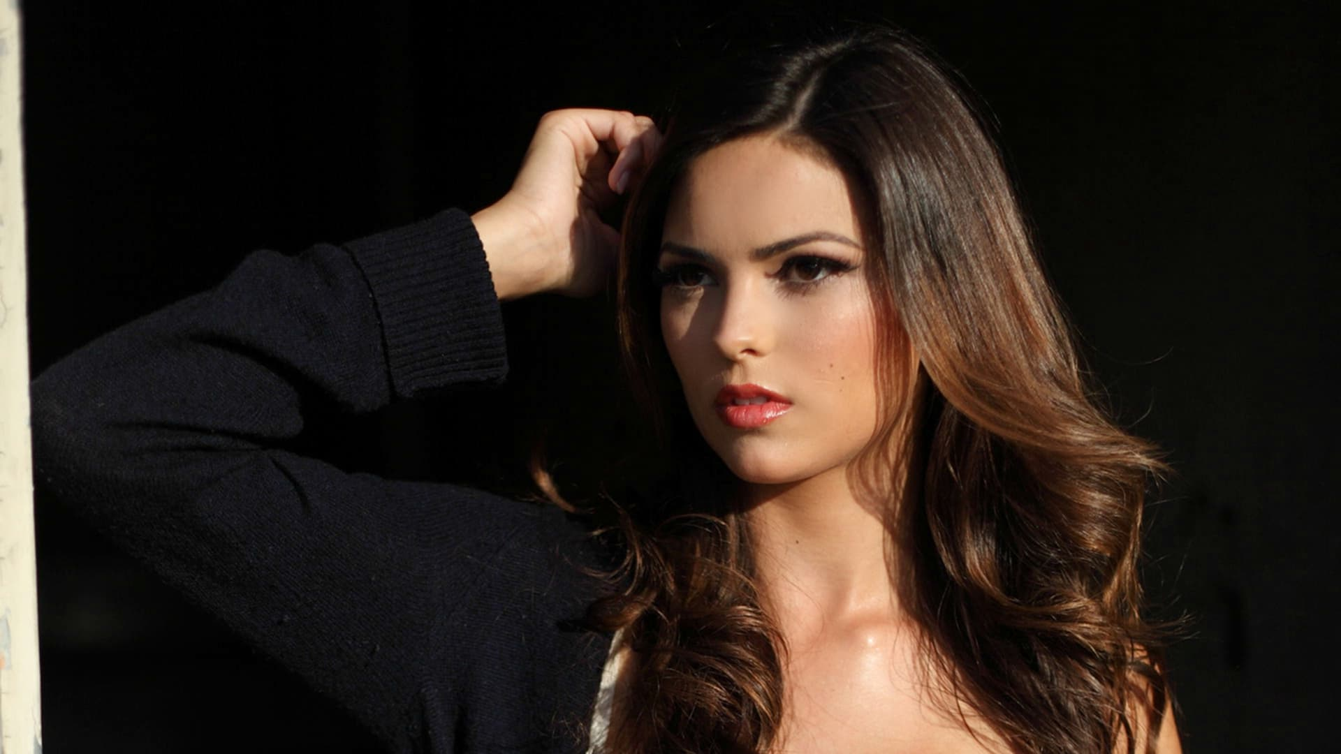 Kyra Santoro black Background