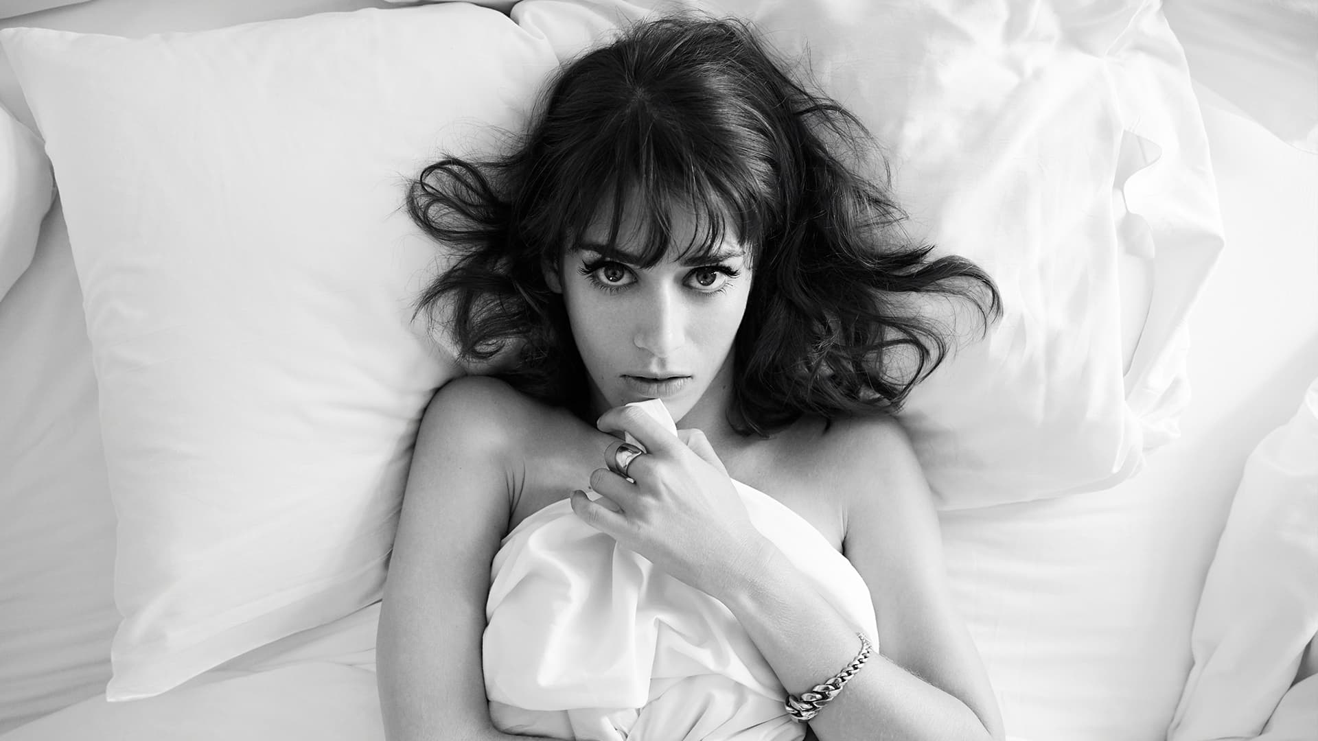 Lizzy Caplan wallpaper...