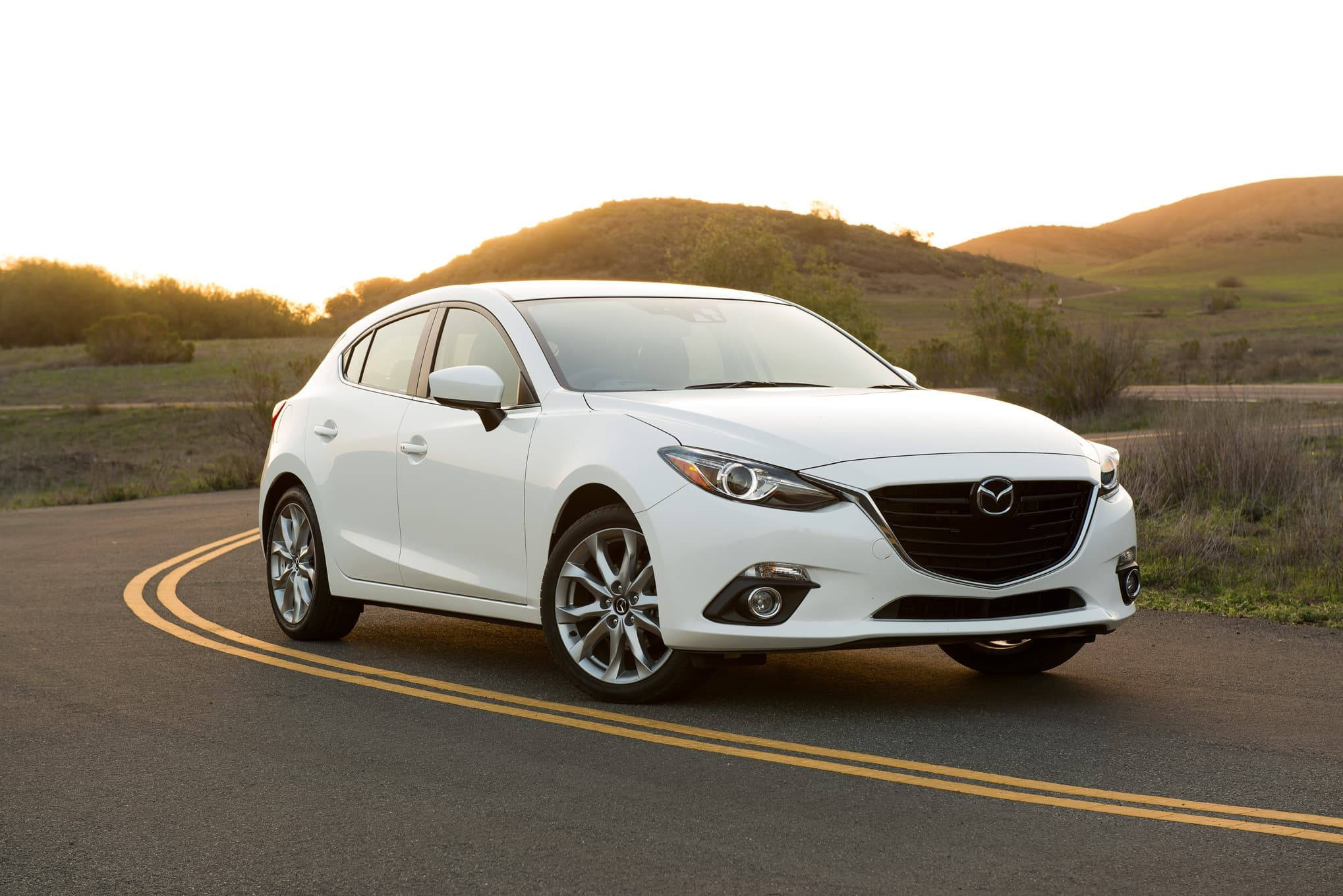 mazda 3 2016 hatchback wallpapers hd high quality. Black Bedroom Furniture Sets. Home Design Ideas