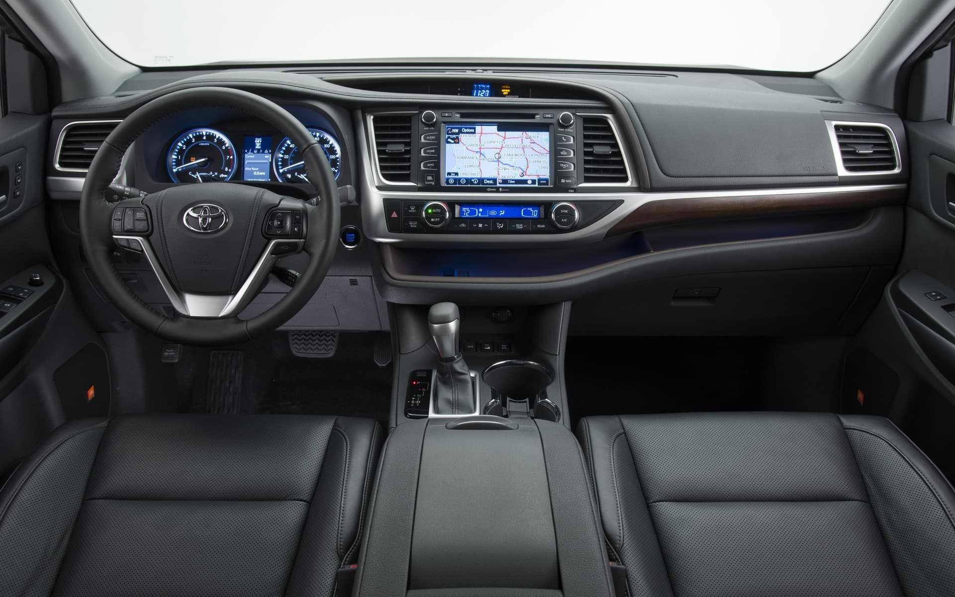 Picture of Toyota Highlander 2016 black leather interior