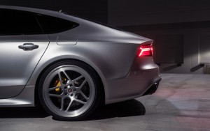 rear prifile 2016 Audi RS7
