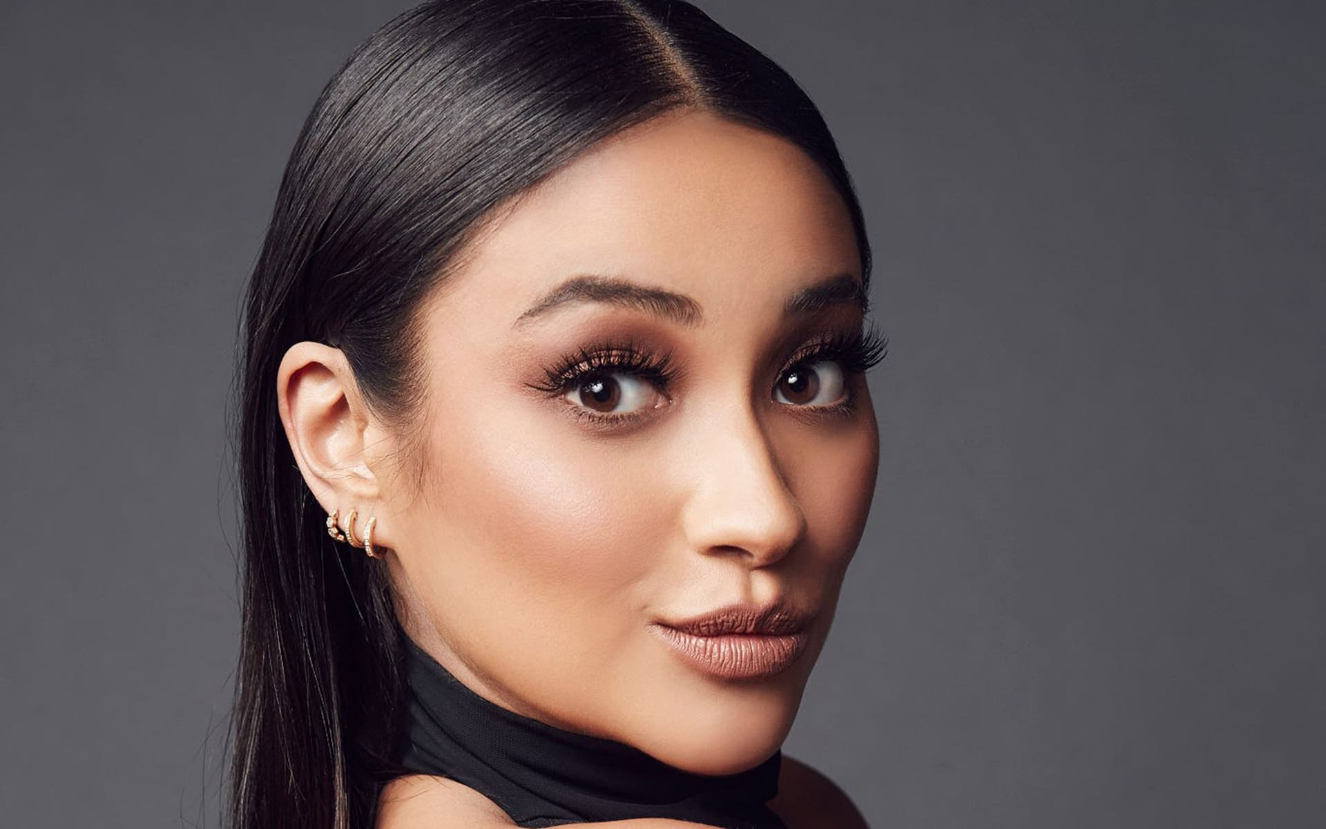 earrings Shay Mitchell computer wallpaper