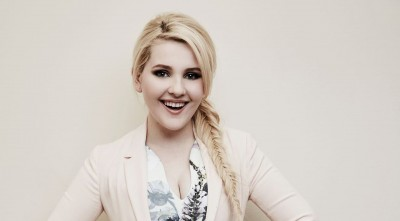 Abigail Breslin High Resolution wallpaper smile