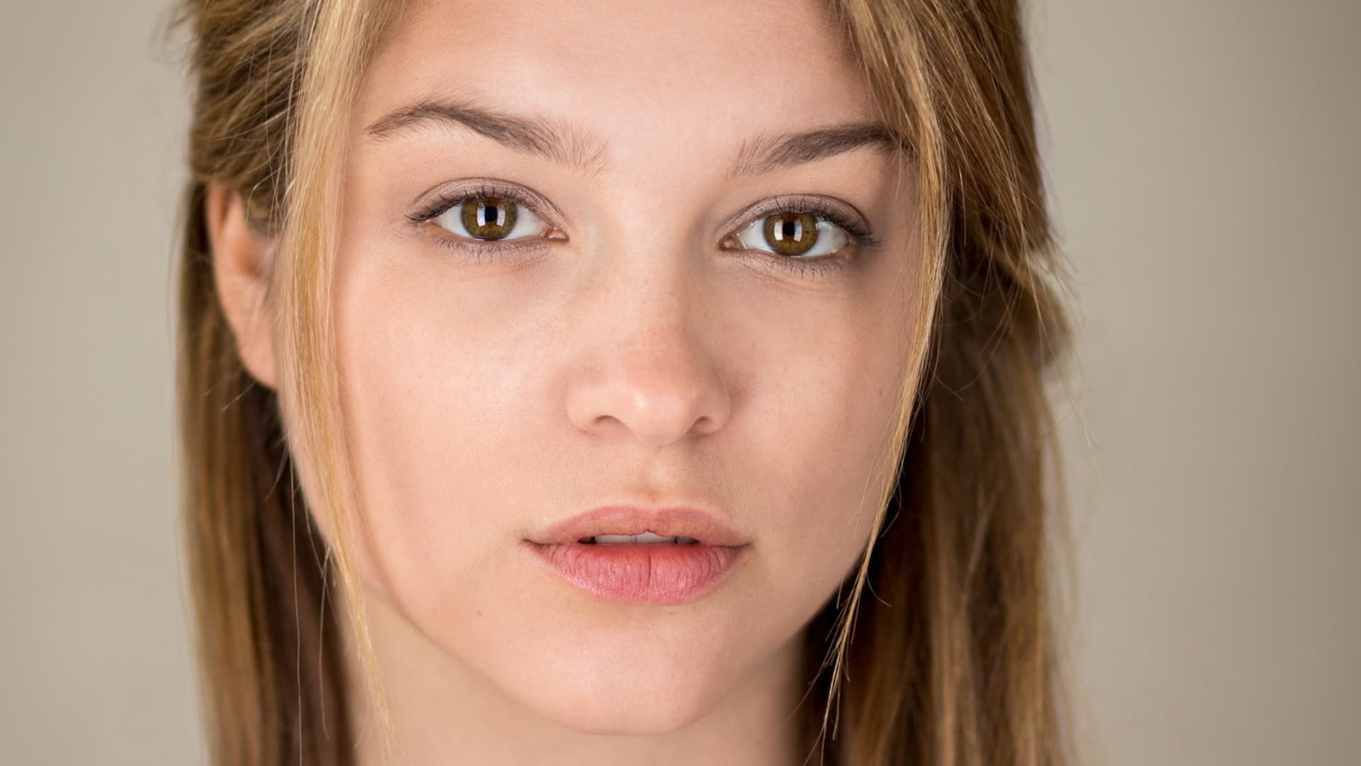 Sophie Cookson Wallpapers