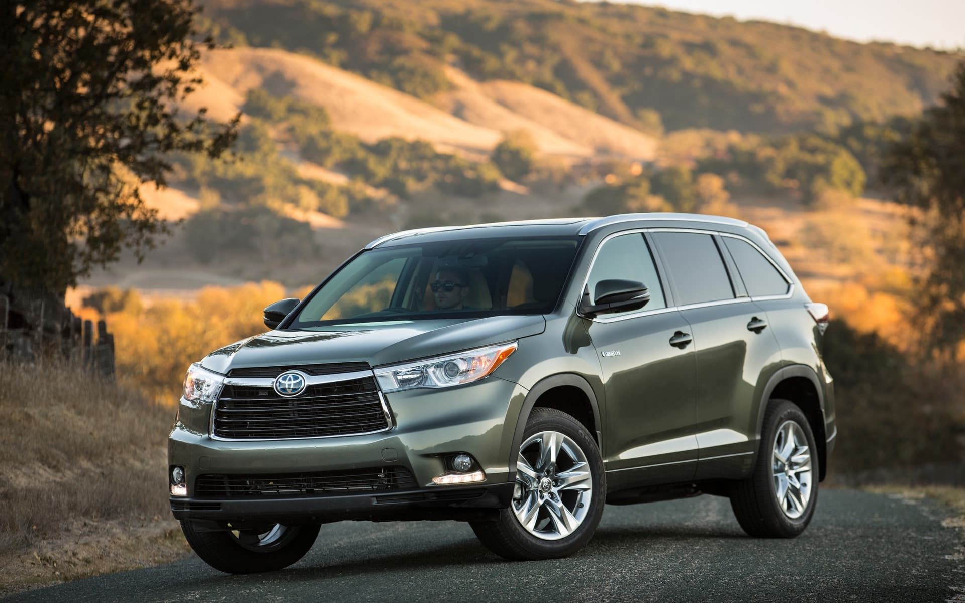toyota highlander 2016 wallpapers hd high resolution. Black Bedroom Furniture Sets. Home Design Ideas