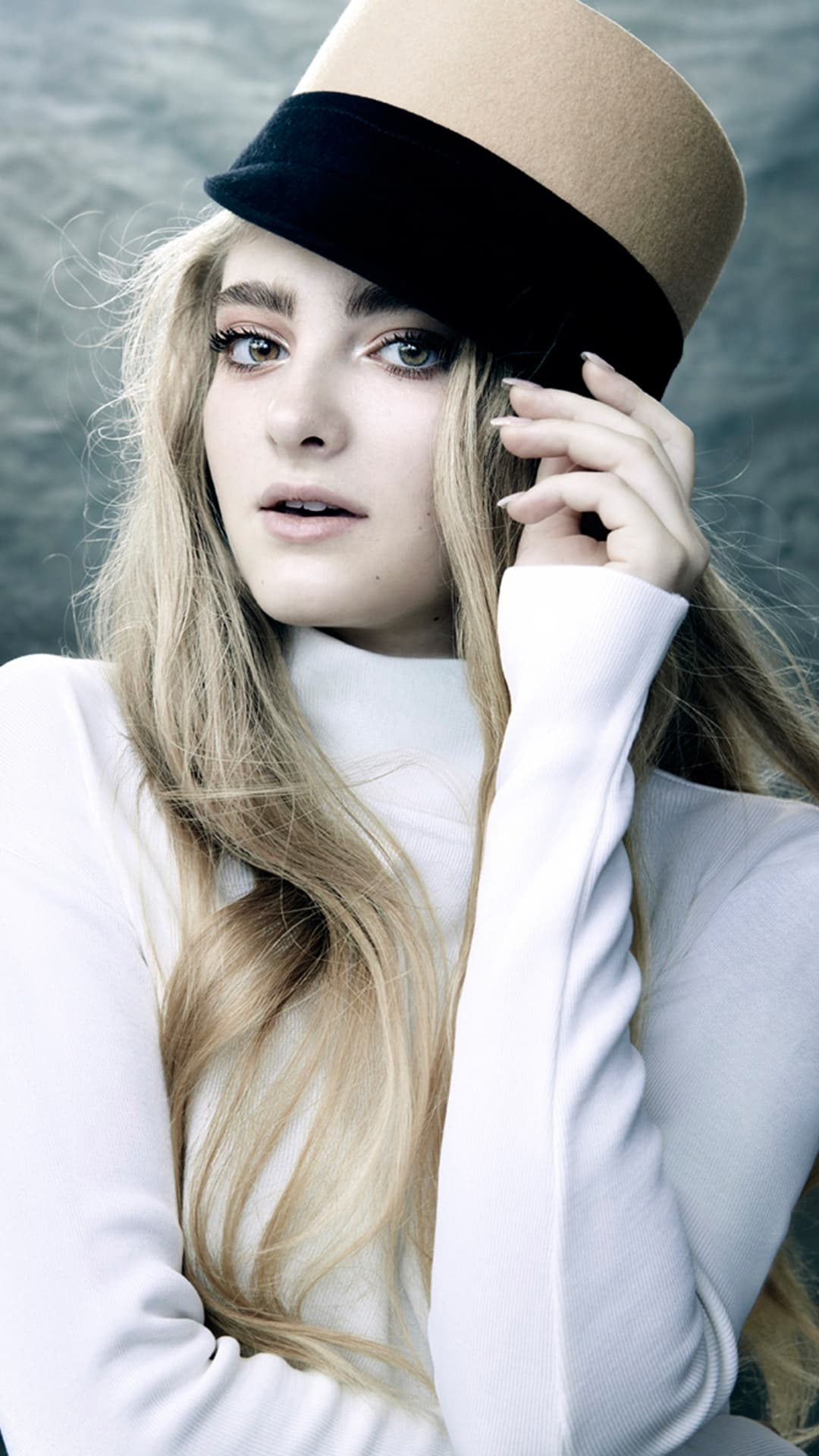 Willow Shields for iPhone