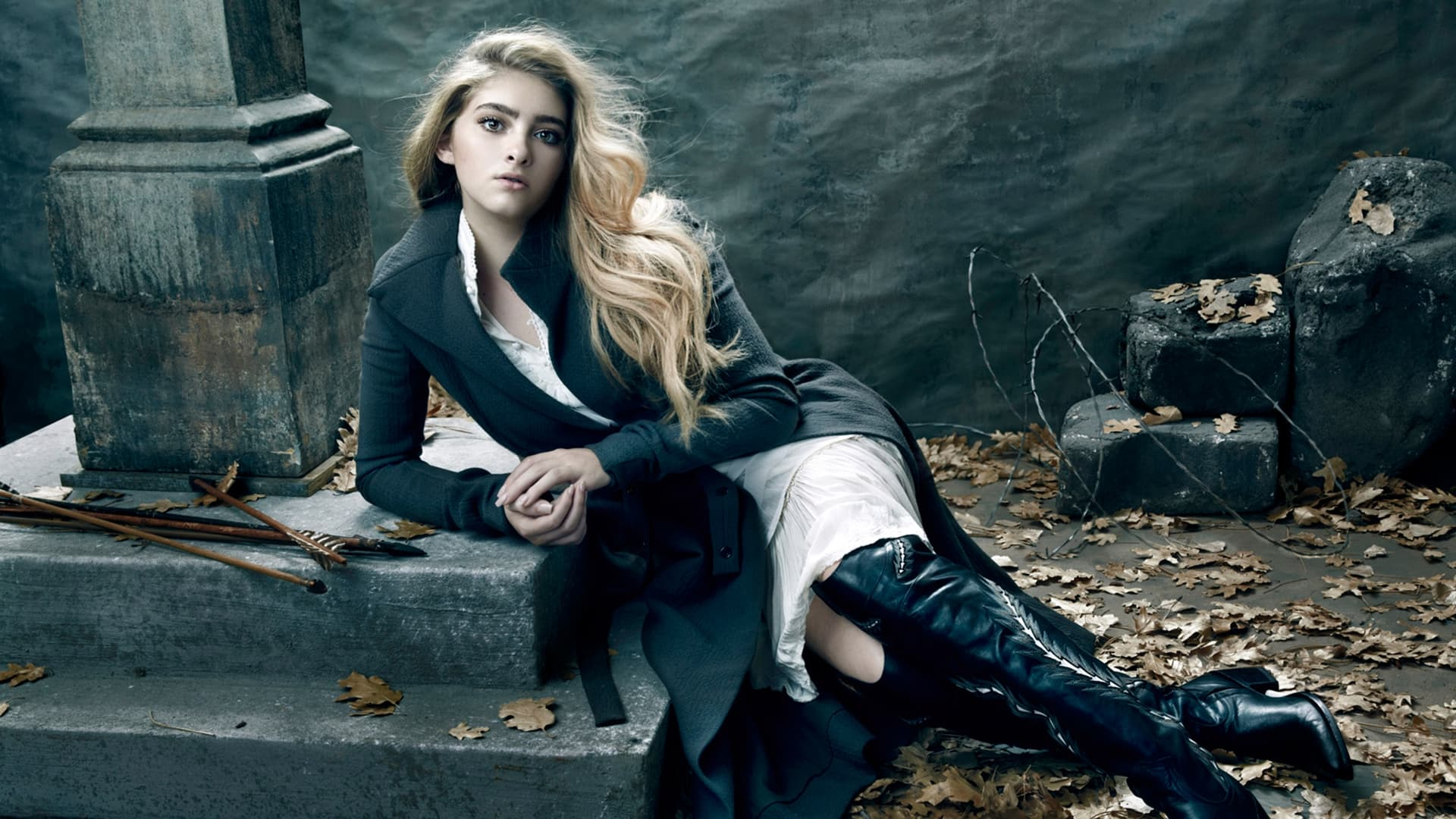 stylish Willow Shields High Quality Wallpaper
