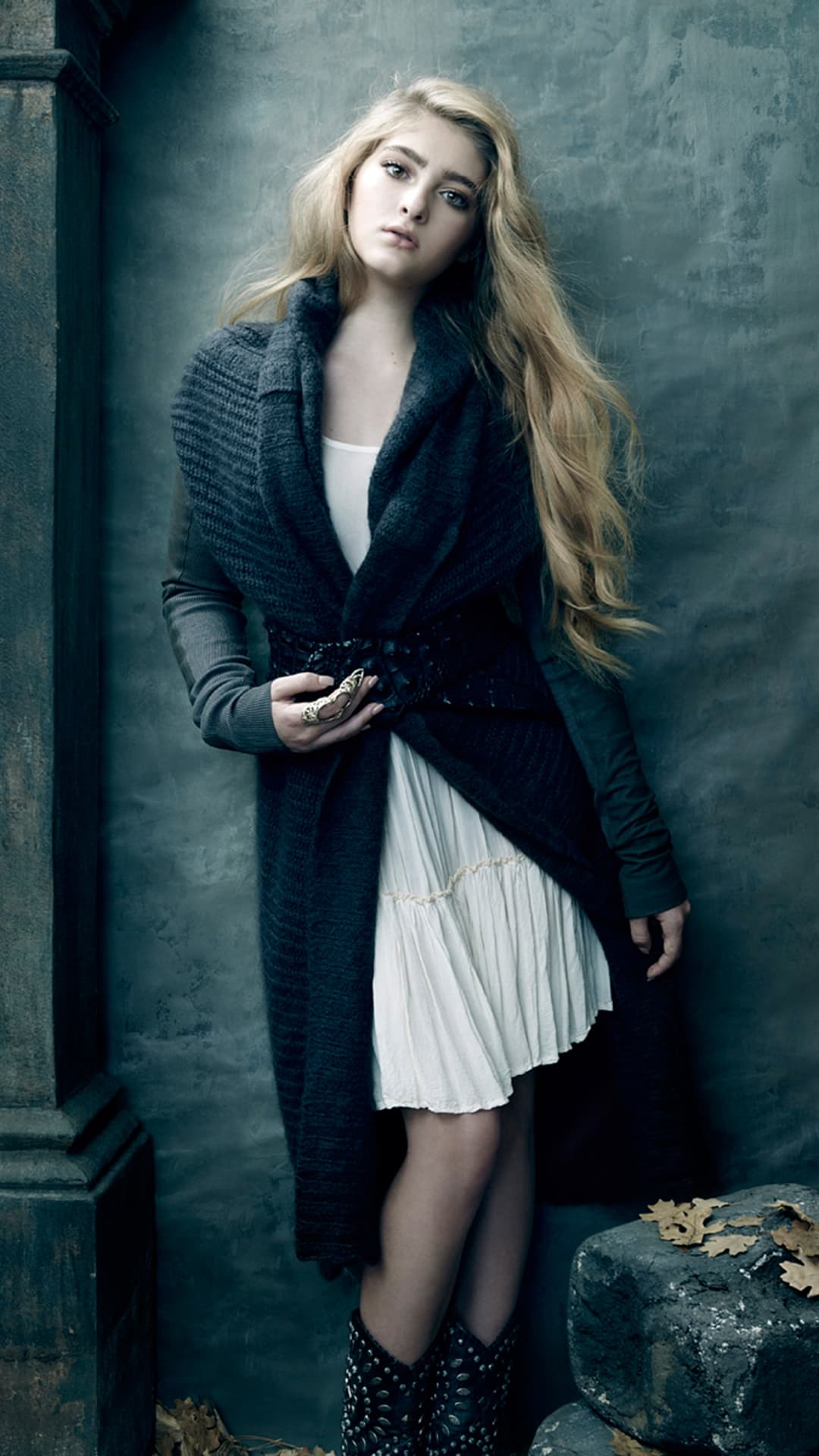 Willow Shields style