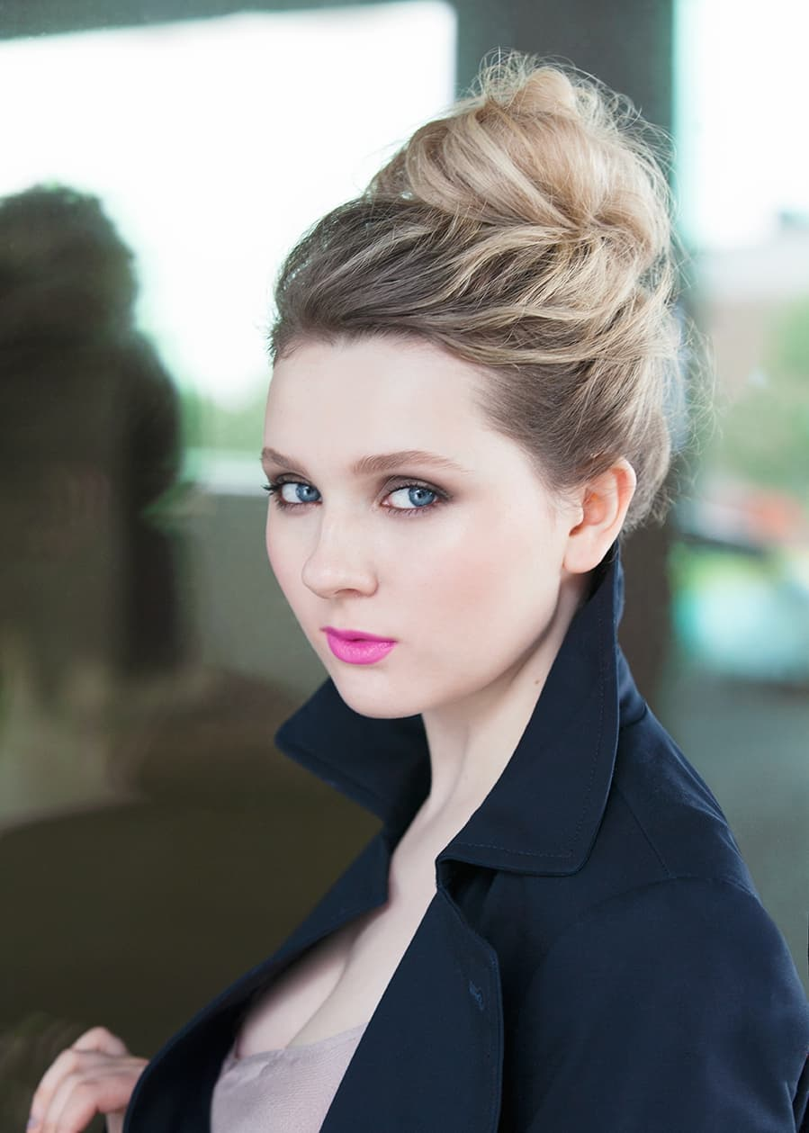 Abigail Breslin Android makeup