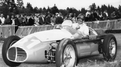 Juan Manuel Fangio Maserati Widescreen Wallpaper