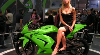 HD Wallpaper Kawasaki Ninja 600 Girl for Desktop