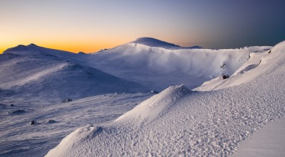 Mount Kosciuszko in winter sunrise Wallpaper 2016
