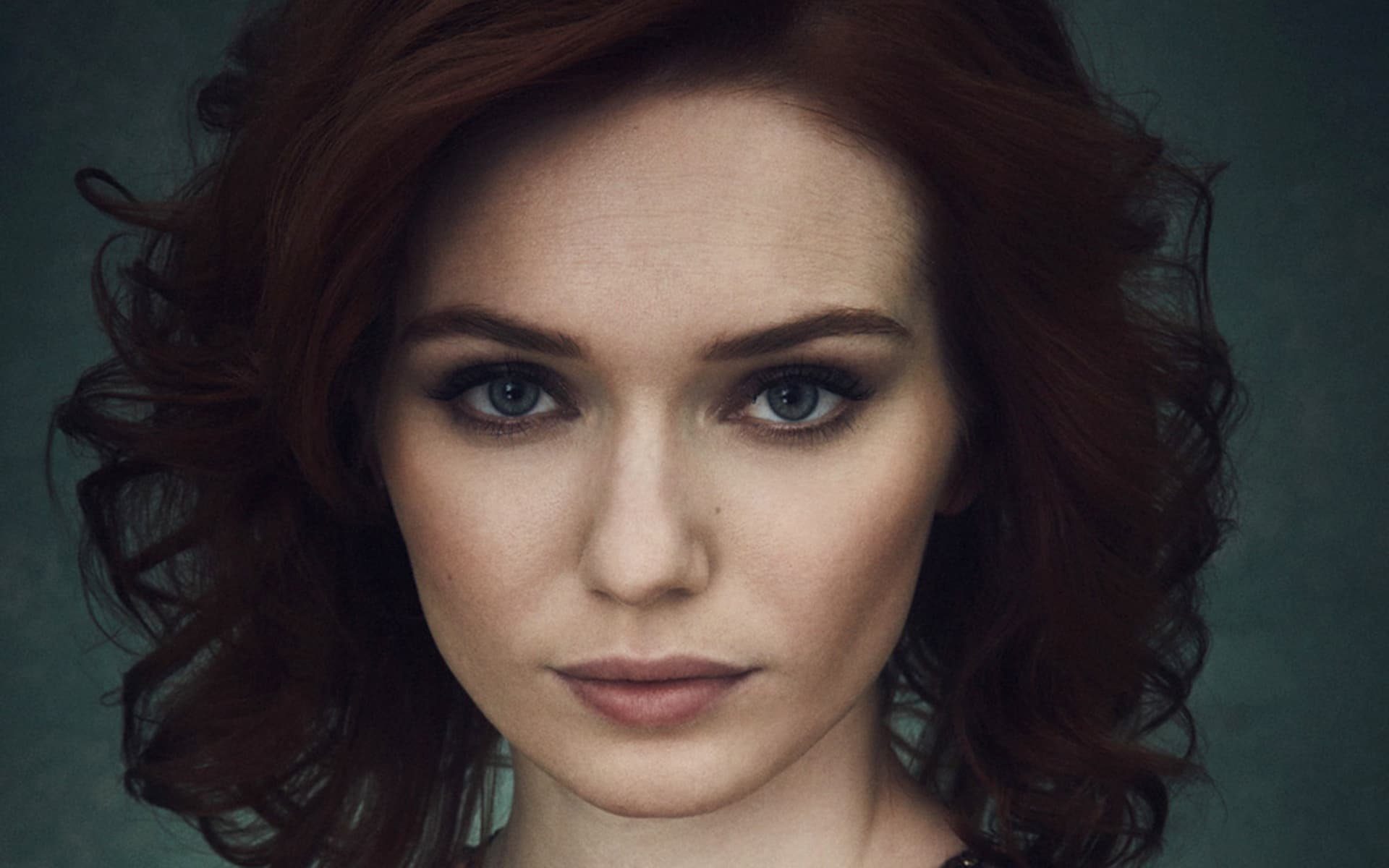Eleanor Tomlinson Wallpaper