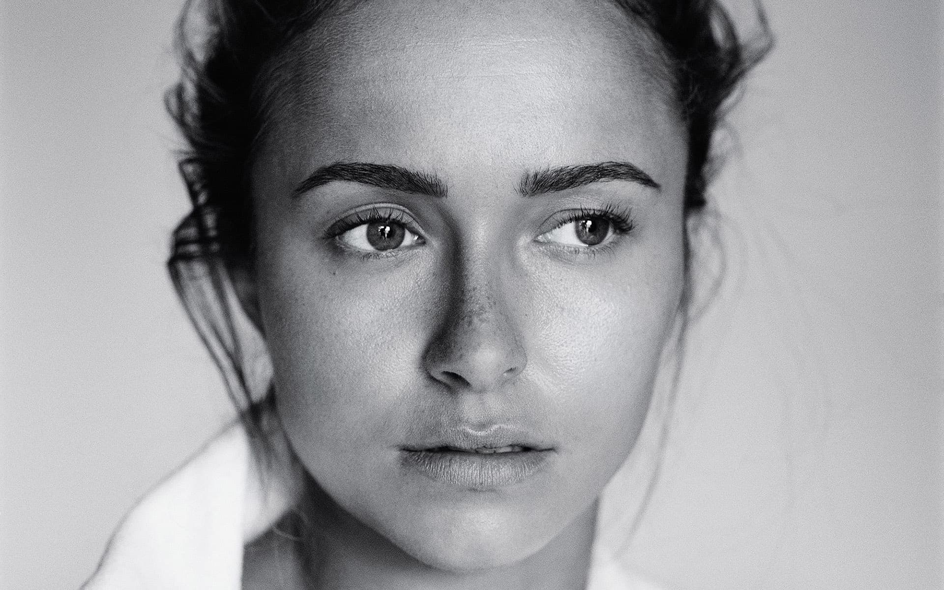 Hayden Leslie Panettiere Black And White picture, eyes