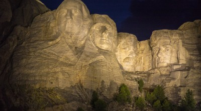 night Mount Rushmore