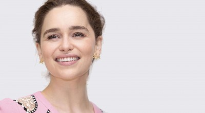 smile Emilia Clarke HD Wallpaper