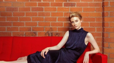 Elizabeth Debicki On The Red Couch High Quality Wallpapers
