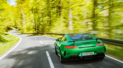 Mercedes AMG GT R 2017 Nature