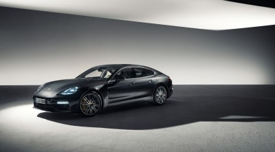 Porsche Panamera Turbo S 2017 Wheels 8k