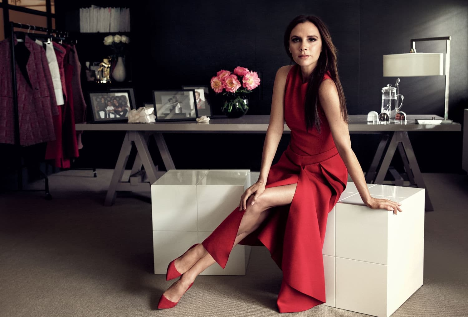 wallpaper of Victoria Beckham in red dress