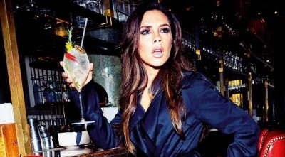 wallpaper HQ of Victoria Beckham in a bar