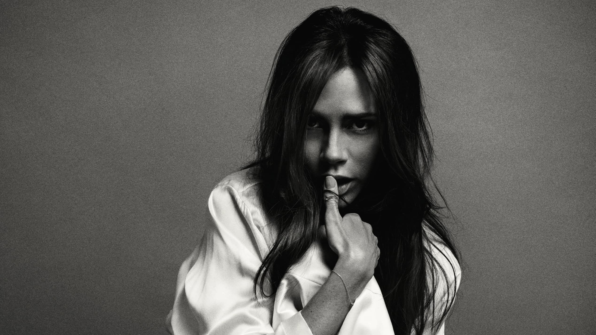 wallpaper Victoria Beckham black and white