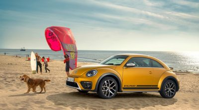 2016 Volkswagen Beetle Dune 2017 sea, dog