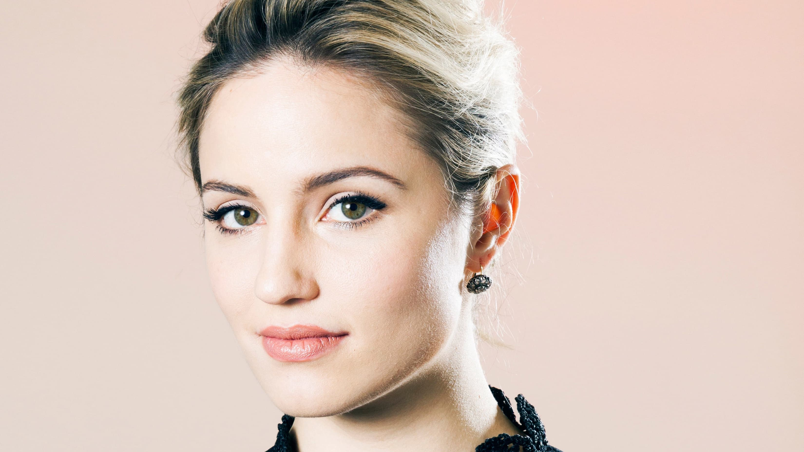 Eyes Of Dianna Agron Alice High Definition