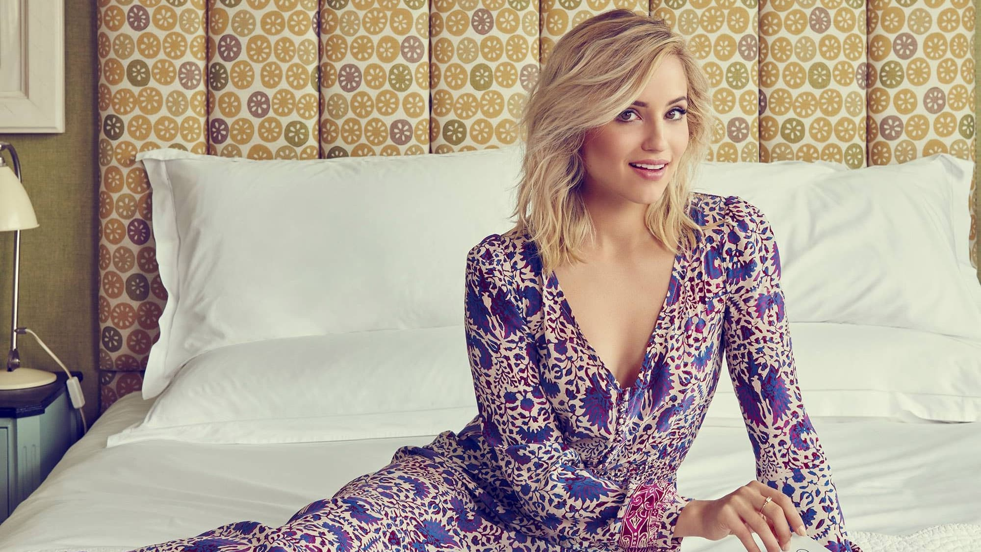 Happy Dianna Agron wallpapers for Desktop