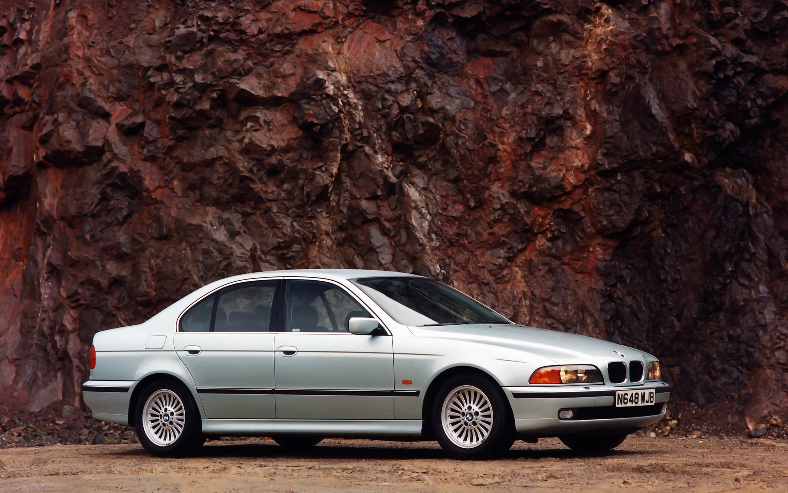 HD BMW e39 540i 1996 wallpaper