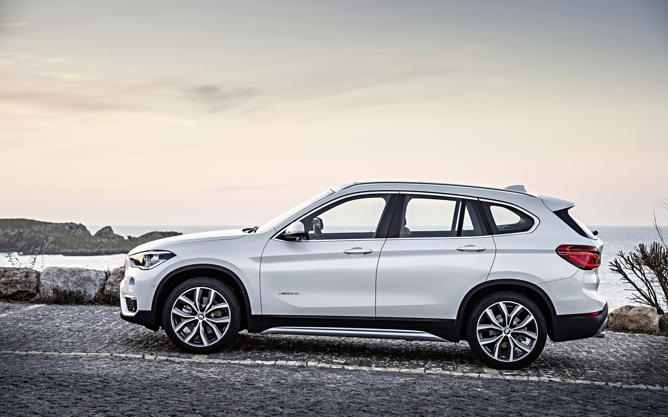 Picture of BMW X1 2016 desktop