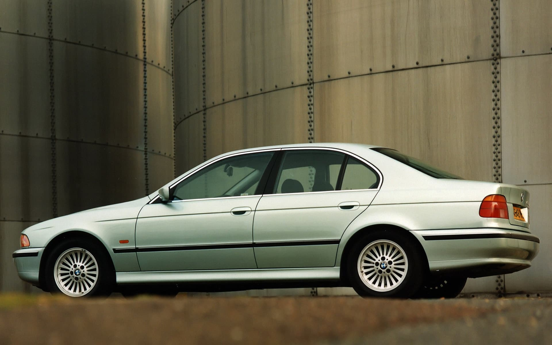 Bmw E39 540i 1996 Wallpapers High Resolution