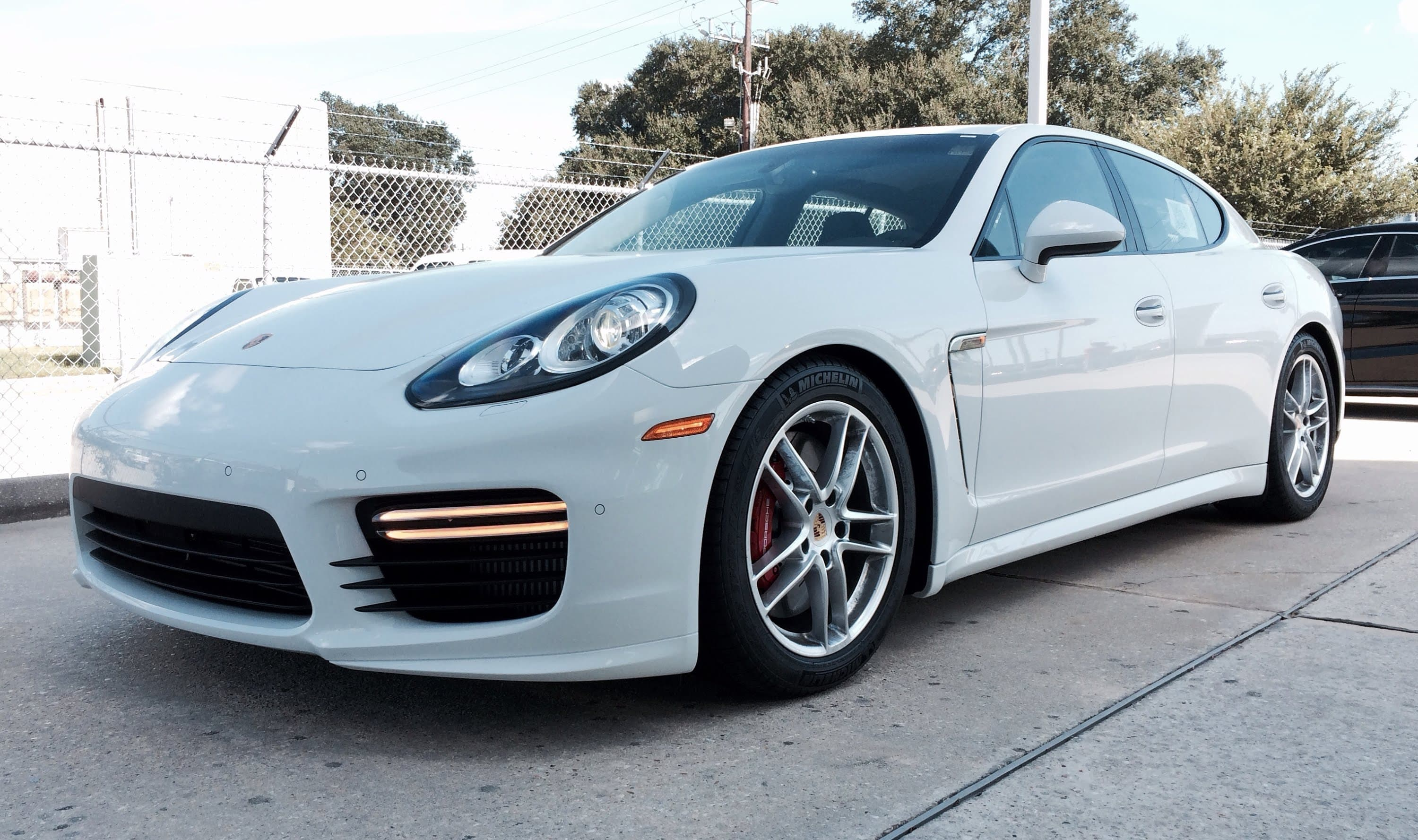 White Panamera Turbo S Porsche 2017