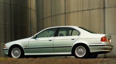 pictures of silver BMW e39 540i 1996 full HD