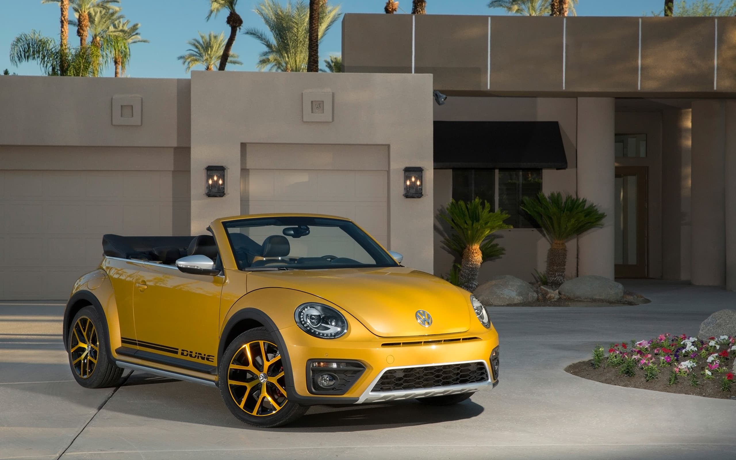 Volkswagen Beetle Dune Convertible 2016 desktop Wallpaper