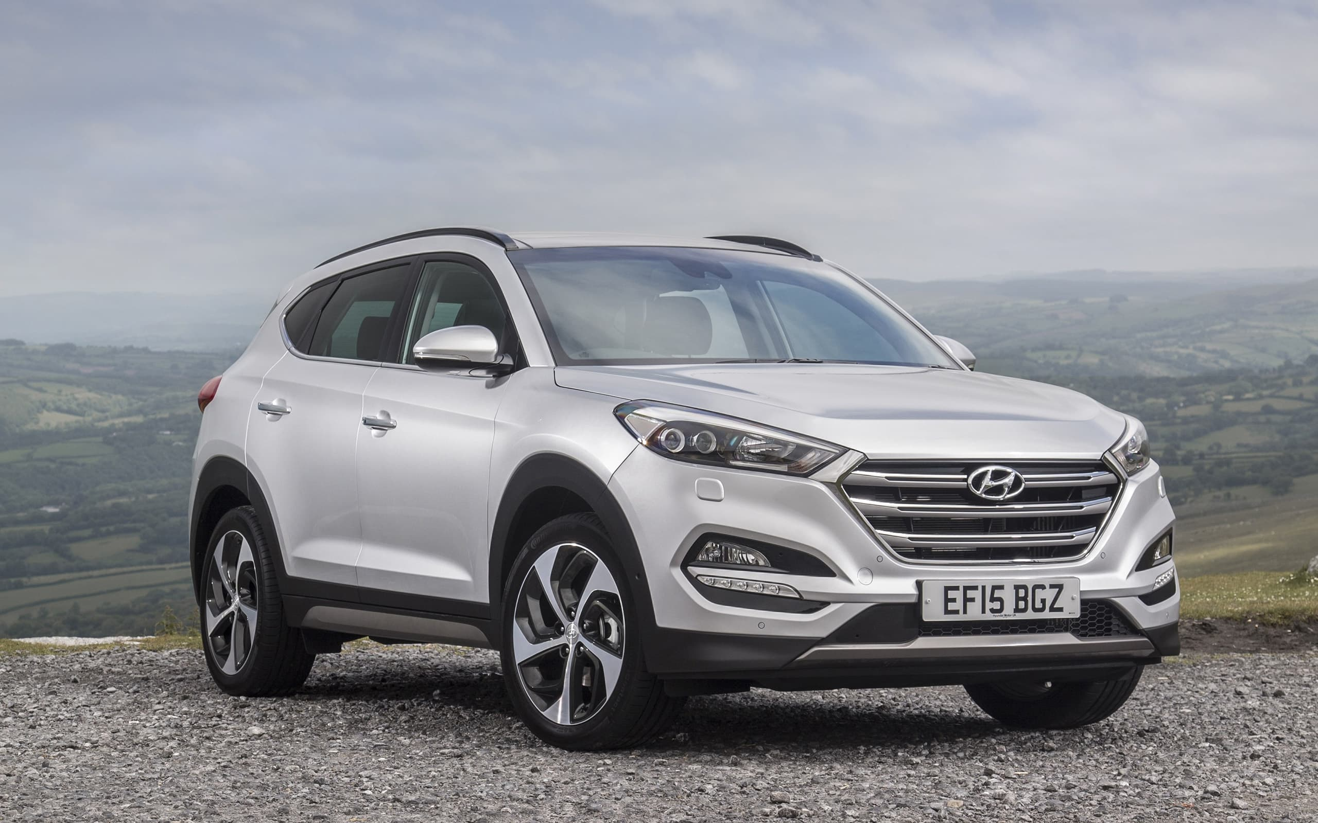 Hyundai Tucson 2016 Wallpapers Hd White Black Red Blue