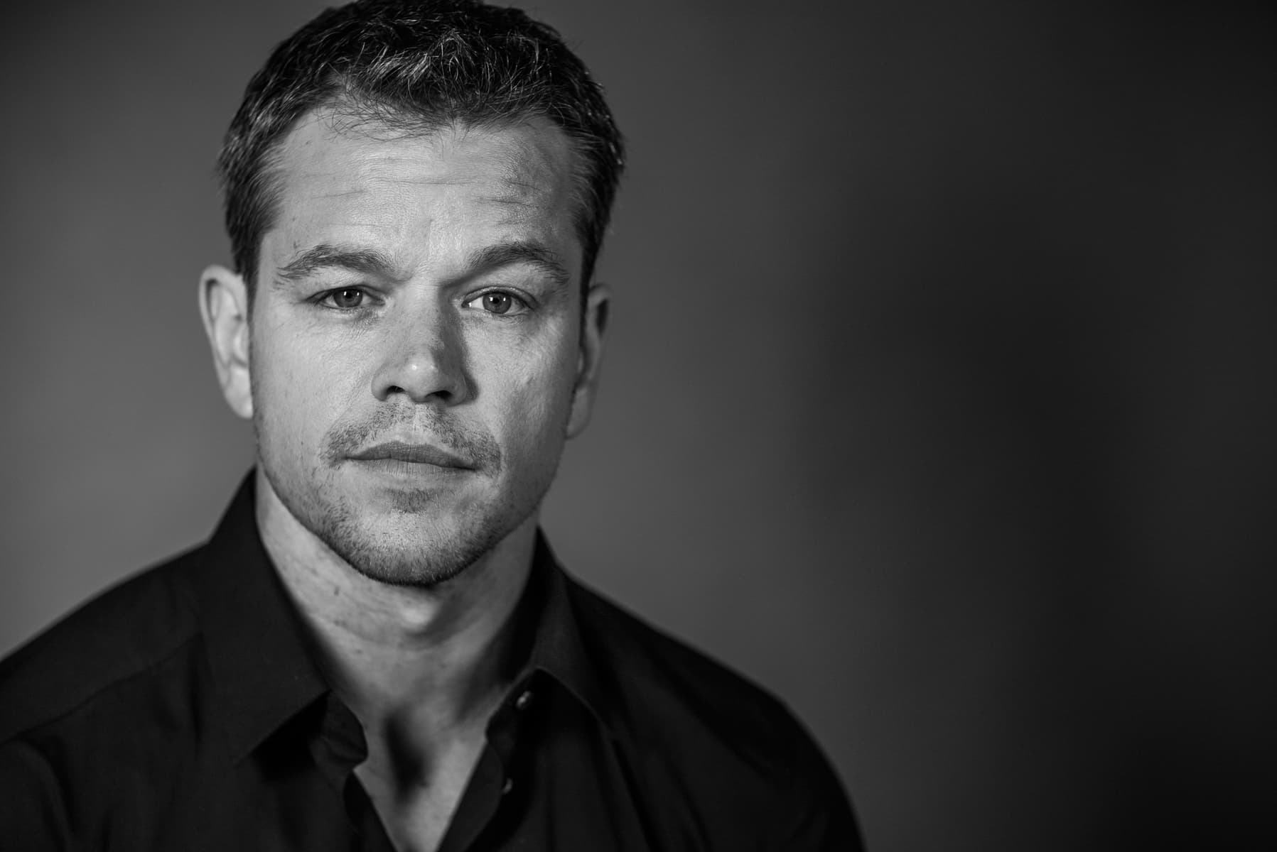Wallpaper of Matt Damon black and white