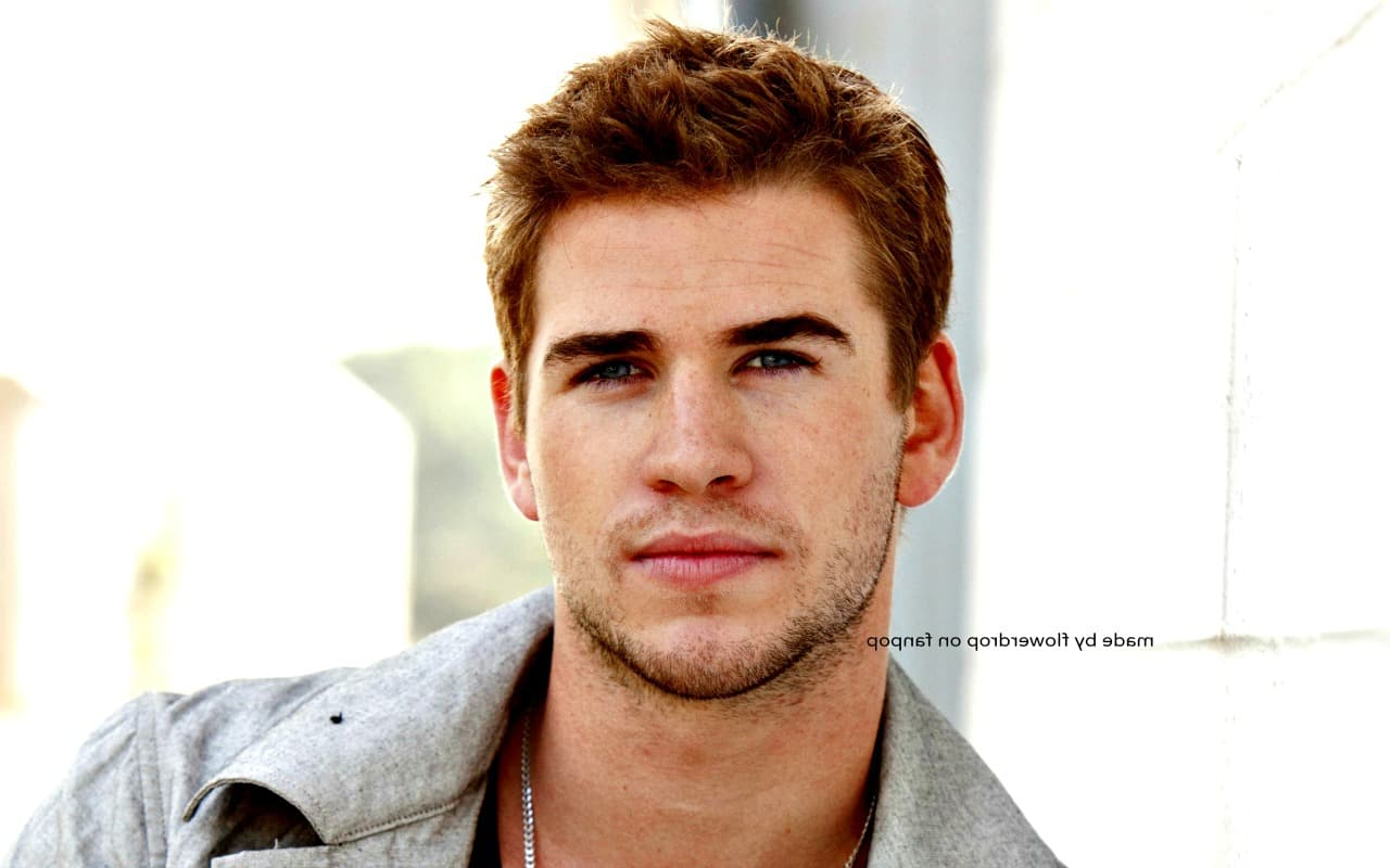2016 young Liam Hemsworth wallpaper