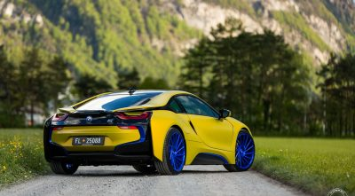 BMW i8 2016 rear desktop background