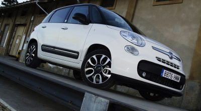 Fiat 500L white background HD