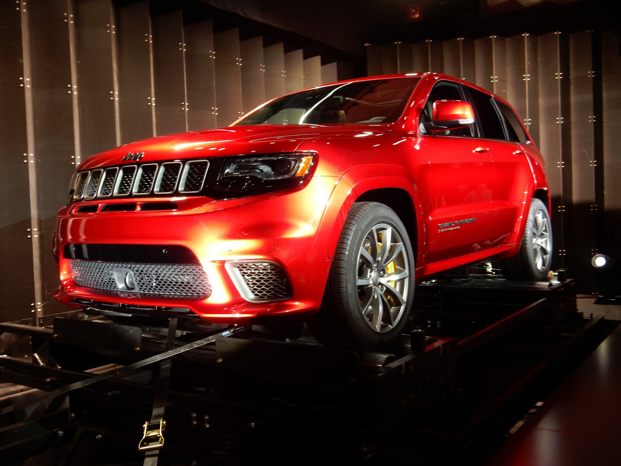 2018 jeep grand cherokee trackhawk wallpapers hd. Black Bedroom Furniture Sets. Home Design Ideas