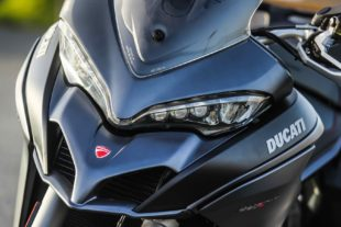 2018 Ducati Multistrada 1260 S front headlights