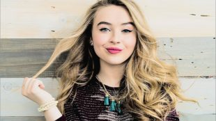 cute face of Sabrina Carpenter