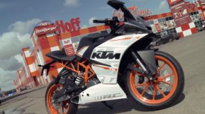 2017 KTM RC390 R in HD