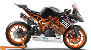 new 2018 black KTM RC390 R