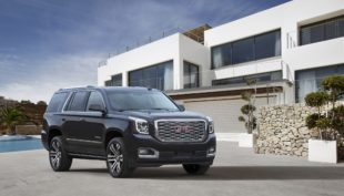 4k wallpaper of GMC yukon denali