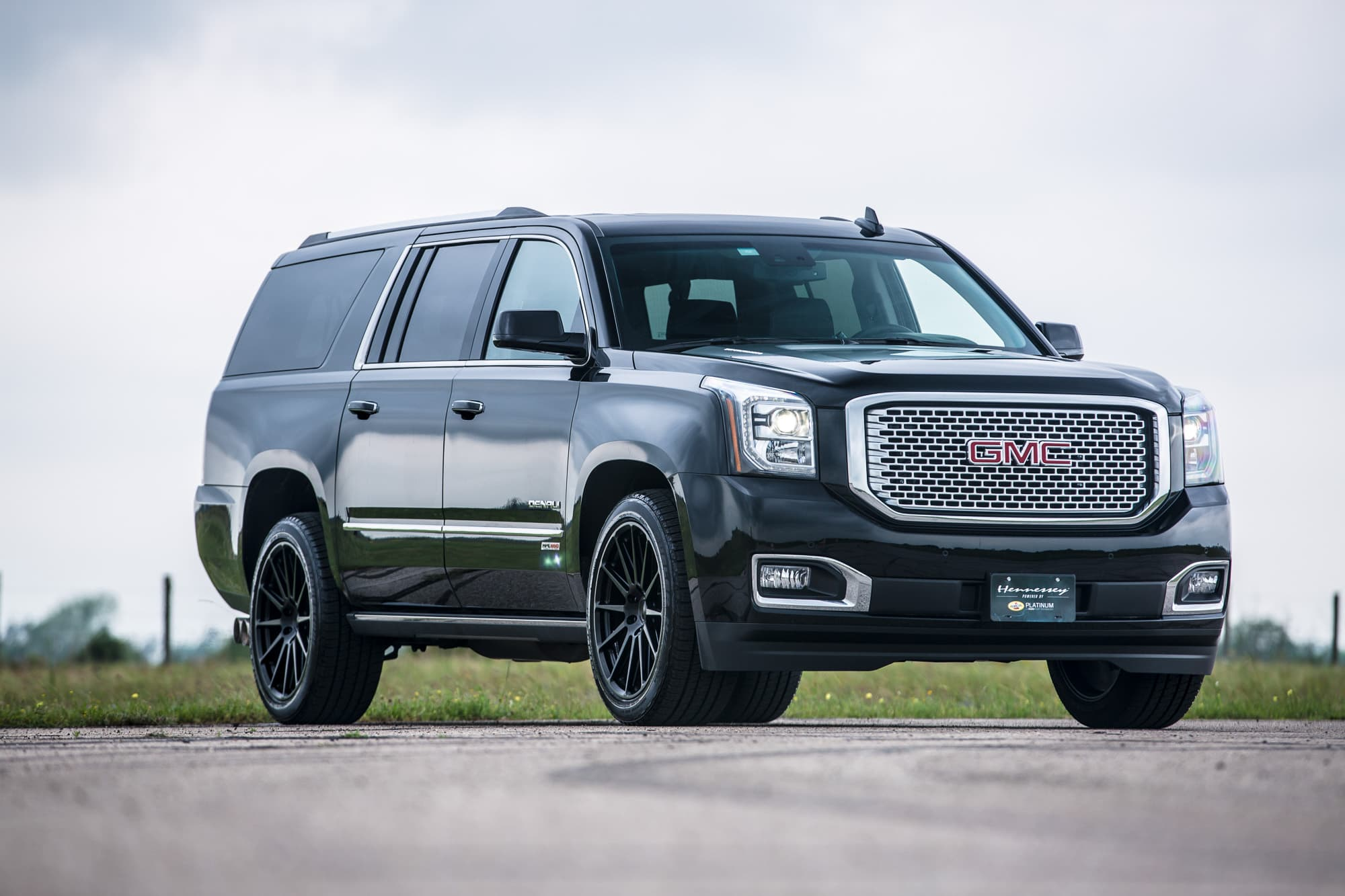GMC yukon denali HD wallpaper